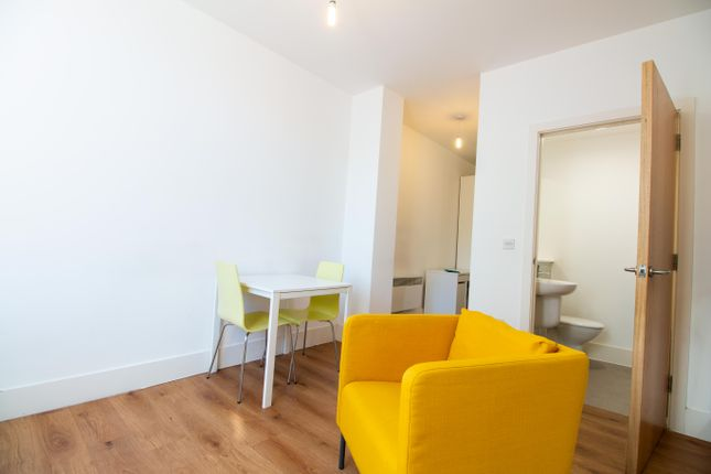 Thumbnail Flat to rent in Town Hall, Bexley Square, Salford