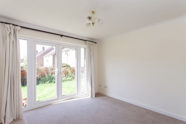 Thumbnail Detached house to rent in Lynstead Close, Bromley