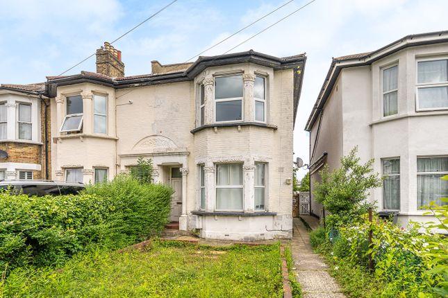 Thumbnail Flat for sale in Bensham Manor Road, Thornton Heath