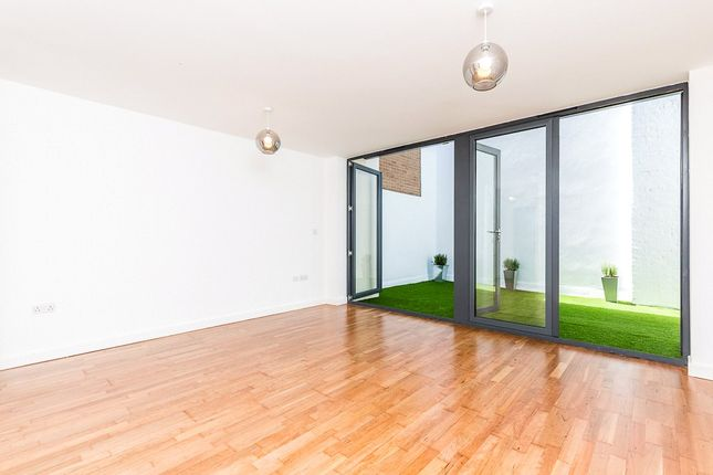 Thumbnail Property for sale in Boundary Street, London