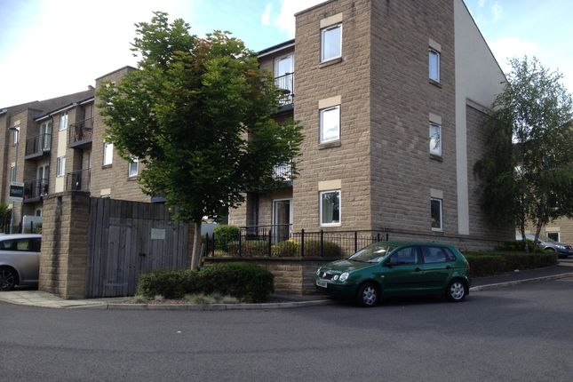 Flat to rent in Murray Court, Horsforth, Leeds