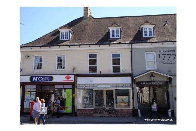 Retail premises to let in High Street 9, Wimborne