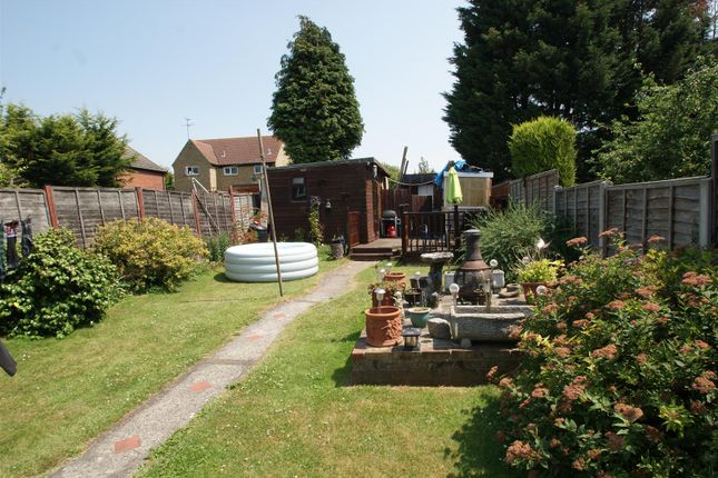 Thumbnail Property for sale in The Drive, Rochford
