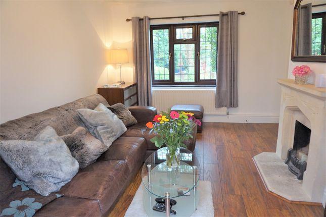 Lounge of Overslade Lane, Rugby CV22