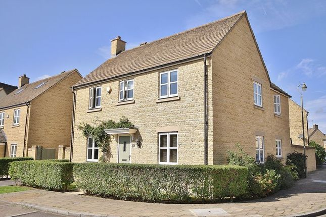 Thumbnail Detached house for sale in Madley Brook Lane, Witney