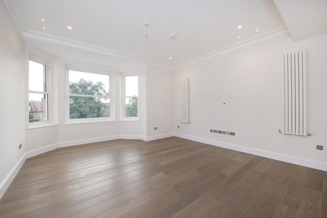 Thumbnail Flat to rent in Arkwright Road, Hampstead NW3,