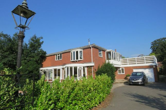 Thumbnail Flat to rent in Mill Road, Marlow