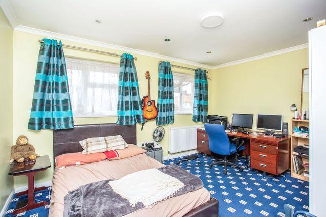 Master Bedroom of Minet Drive, Hayes UB3
