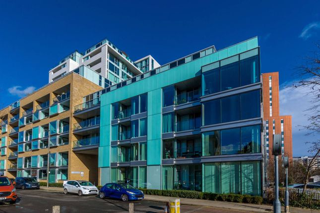 Thumbnail Flat for sale in Spectrum Way, Wandsworth Town, London