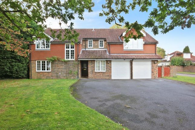 Thumbnail Detached house for sale in Barn Close, Banstead