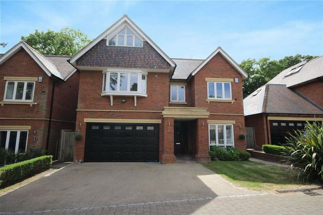 Thumbnail Detached house for sale in Chenies Place, Arkley, Hertfordshire