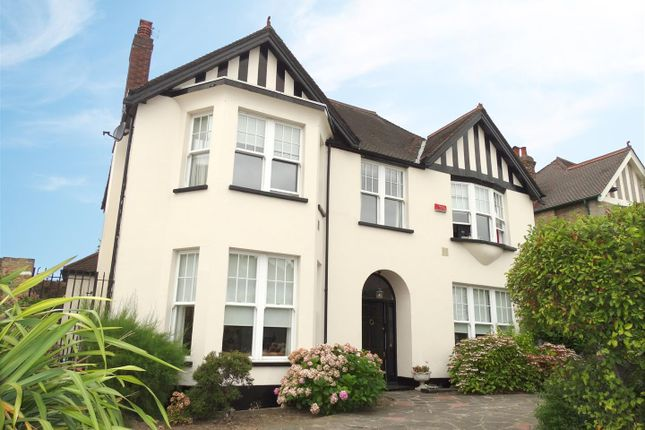 Thumbnail Property for sale in Glenesk Road, London