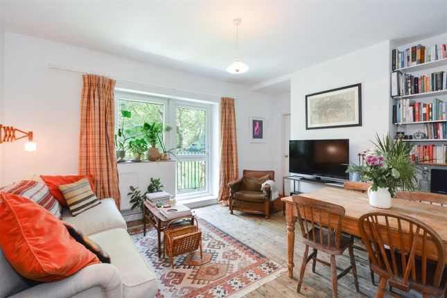Thumbnail Flat for sale in Warley Street, London
