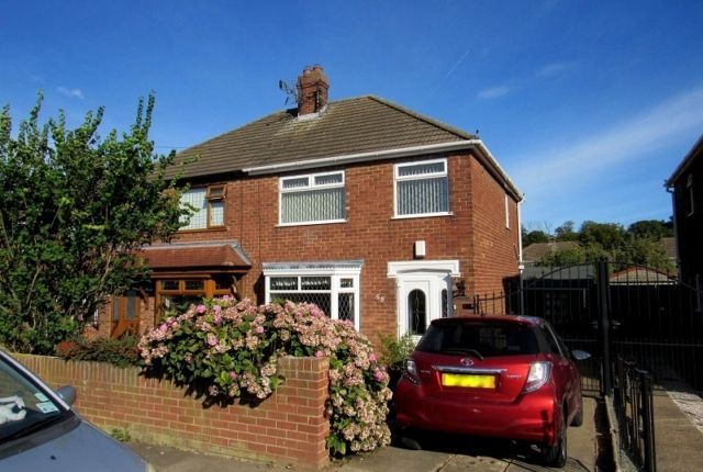 2 bed semi-detached house to rent in Cambridge Road, Grimsby