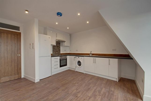 Thumbnail Flat to rent in The Broadway, Greenford