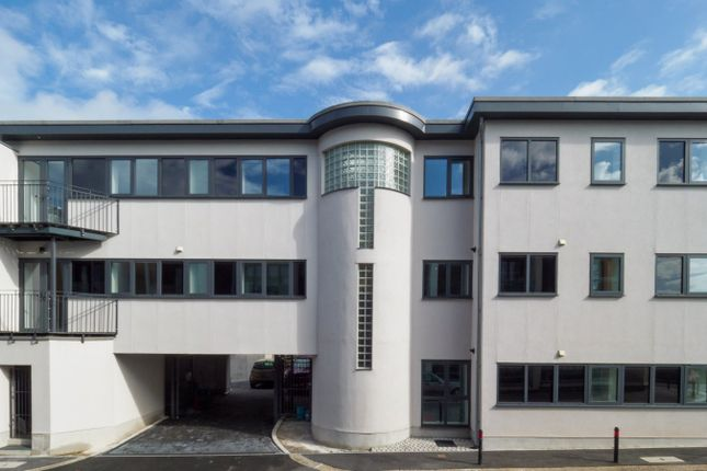 Thumbnail Flat for sale in Emma Place Ope, Stonehouse, Plymouth