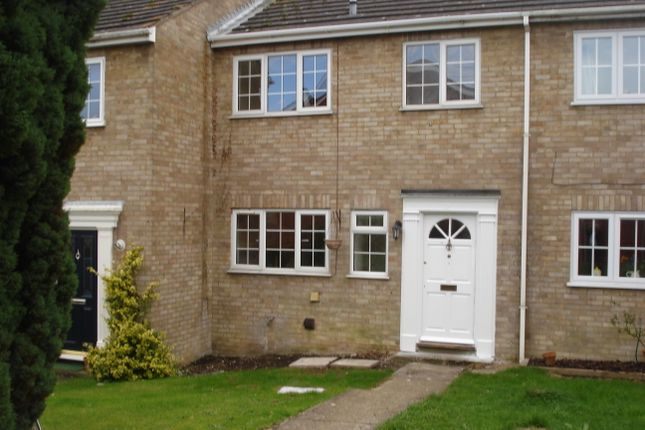Thumbnail Terraced house to rent in Valmeade Close, Hook