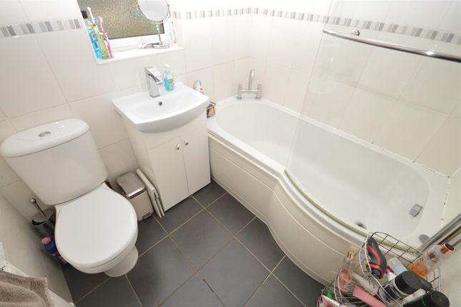Bathroom of Anchorway Road, Finham, Coventry CV3