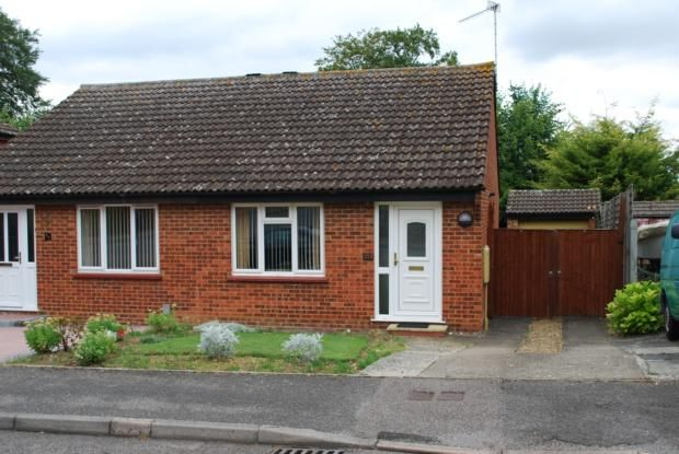 Bungalow to rent in Browning Drive, Hitchin