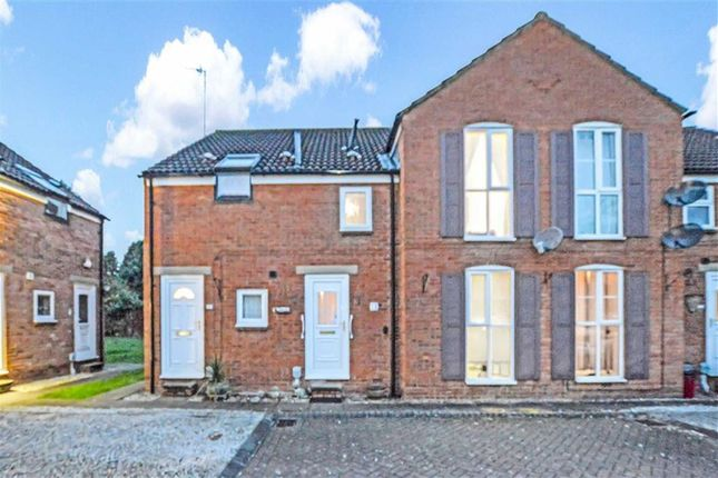 Thumbnail Maisonette for sale in The Willows, Boothferry Road, Hessle, East Yorkshire