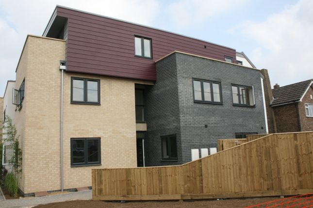 Thumbnail Flat to rent in Bicester Road, Kidlington