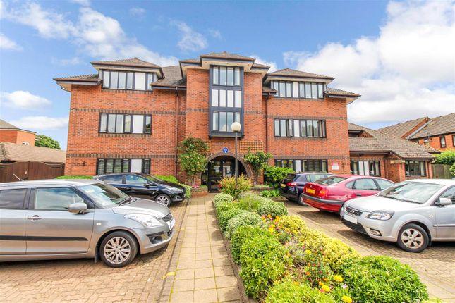 Thumbnail Flat for sale in Healey Court, Coten End, Warwick