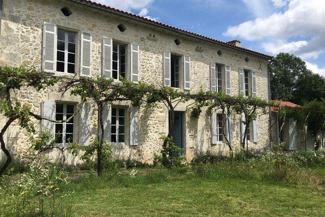 Thumbnail Villa for sale in Montguyon, Charente-Maritime, Nouvelle-Aquitaine