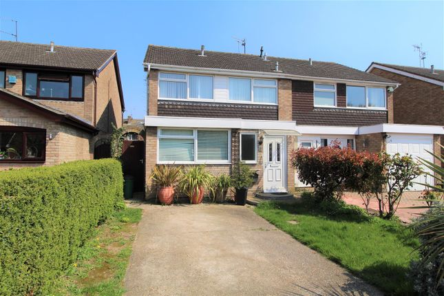 Thumbnail Property for sale in Mayberry Walk, Colchester
