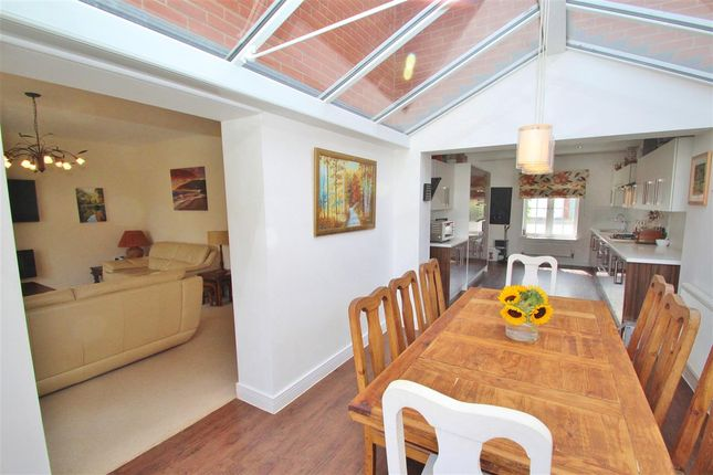 Thumbnail Detached house for sale in Weavers Close, Buckingham