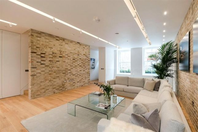 Thumbnail Mews house to rent in Bingham Place, London