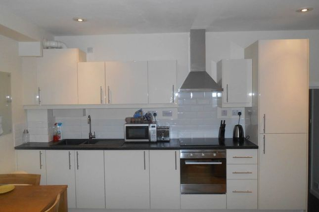 Property to rent in 1 Thornton Court (20/21), Forth Place, City Centre