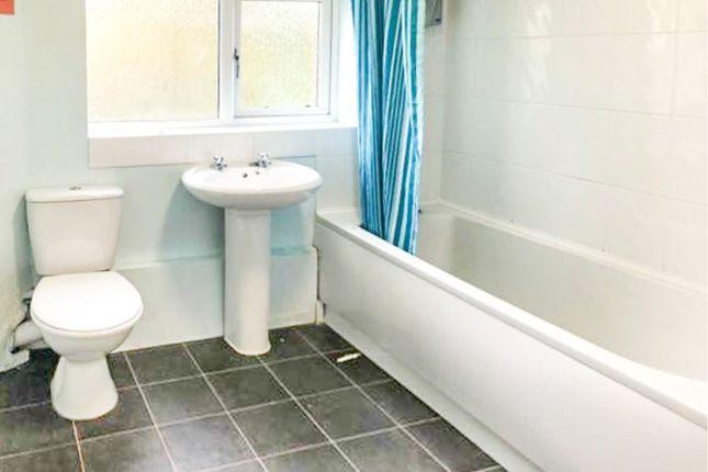 Bathroom of Hawkesford Close, Castle Bromwich, Birmingham B36