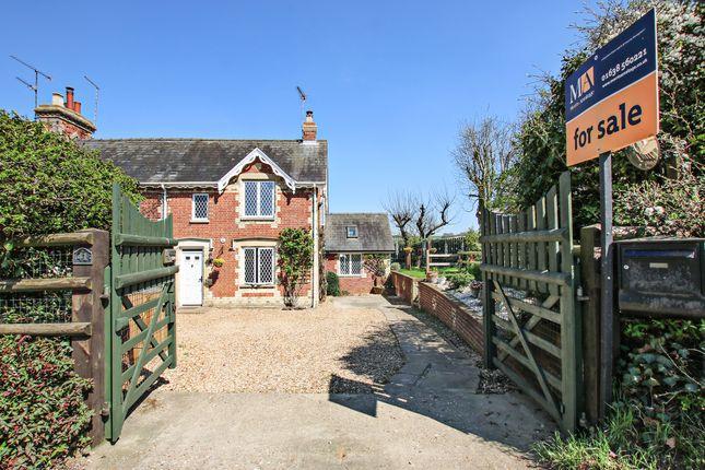 3 bed cottage for sale in Dalham Road, Moulton