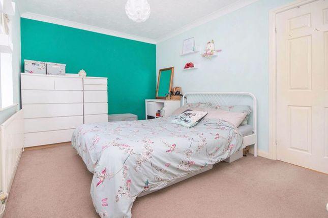 Bedroom One of Denbigh Close, Totton, Southampton SO40