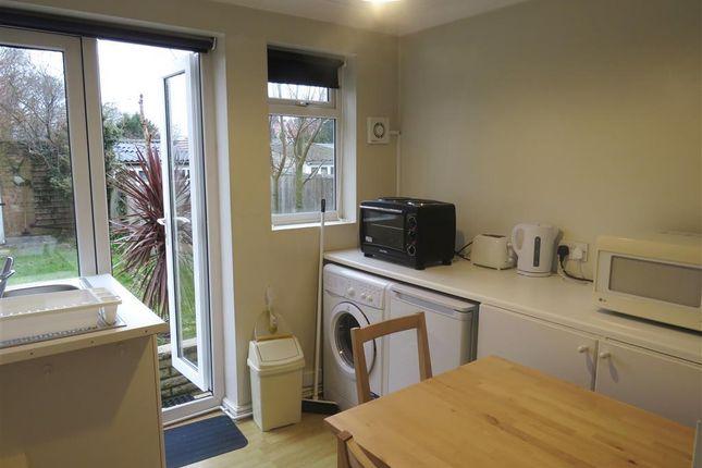 Kitchen of Links Avenue, Morden SM4