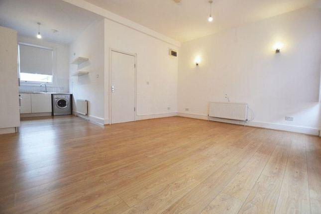 Flat to rent in Glengall Road, Kilburn