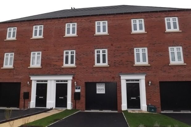 Thumbnail Town house to rent in Buttermere Crescent, Doncaster
