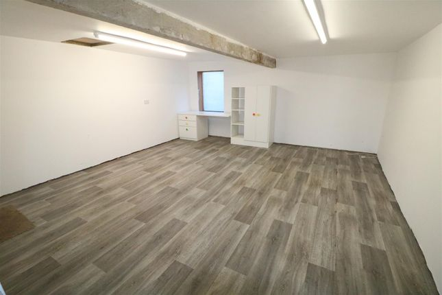 Thumbnail Commercial property to let in Court Lane, Newent