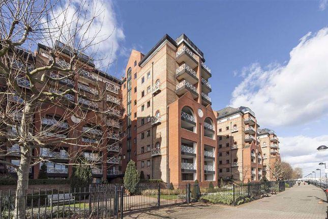 William Morris Way, London SW6