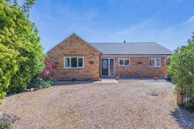 2 bed detached bungalow for sale in Burton Road, Finedon, Wellingborough NN9