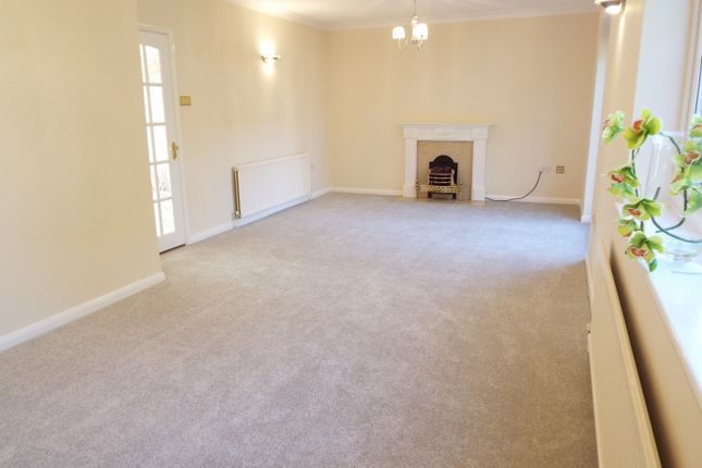 Thumbnail Detached house to rent in The Robins, Hook End, Brentwood