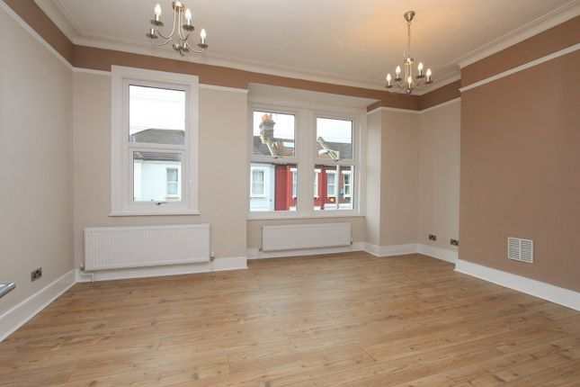 Thumbnail Maisonette for sale in Glasford Street, Tooting