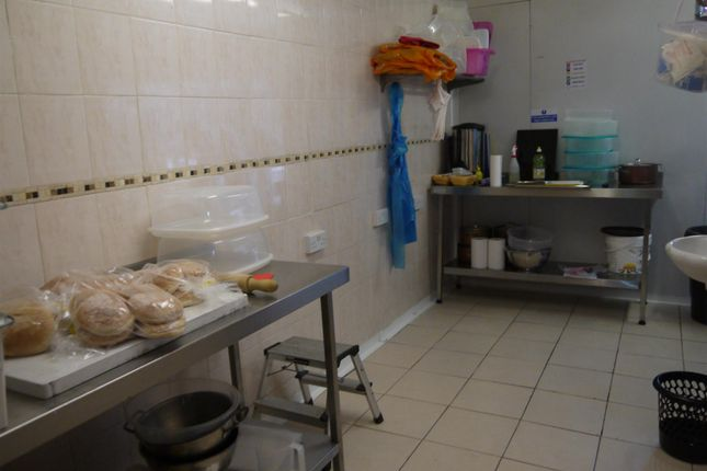 Photo 4 of Hot Food Take Away DN4, South Yorkshire