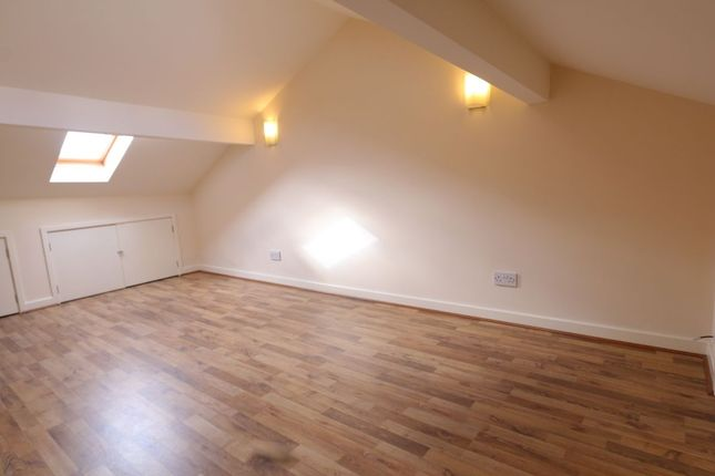 Thumbnail Flat to rent in King Street, Dukinfield
