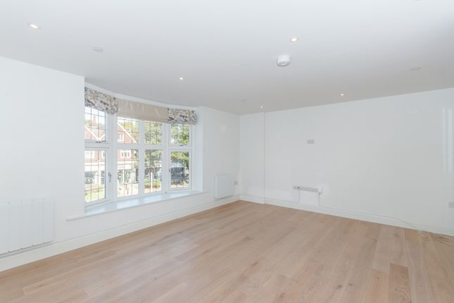 Reception Room of King George's Walk, High Street, Esher KT10