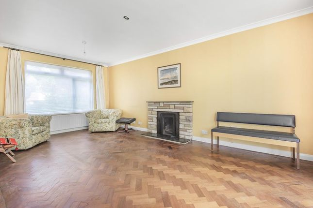 Living Room of Sunningdale, Berkshire SL5