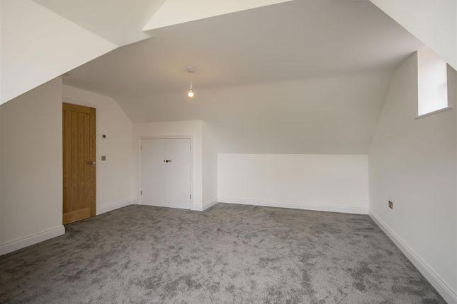 Bed4 (2) of Holt Croft Close, Breaston, Derby DE72