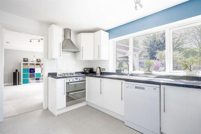 House-Rectory-Lane-Woodmansterne-Banstead-108