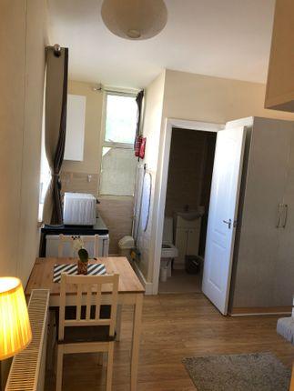 Thumbnail Room to rent in Brownlow Road, Neasden