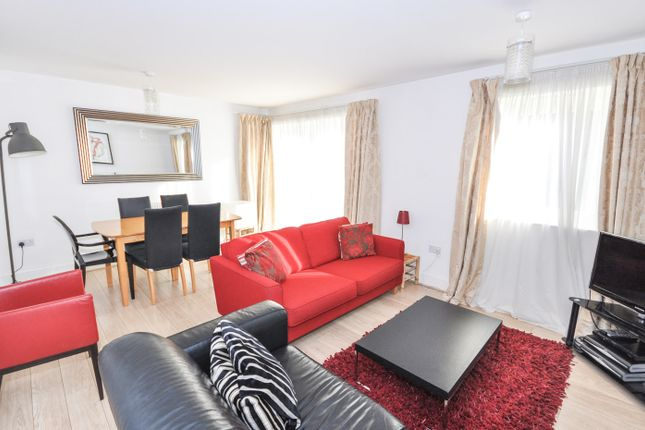 Thumbnail Flat to rent in Pavillions, Clarence Road, Windsor